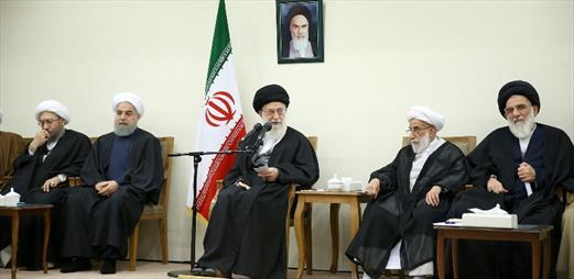 مرحوم هاشمی شخصیتی با ارزش و از عناصر مؤثر در نظام جمهوری اسلامی بود/ مردم باید اثر اقتصادمقاومتی را در زندگی ببینند؛ اکنون اینگونه نیست
