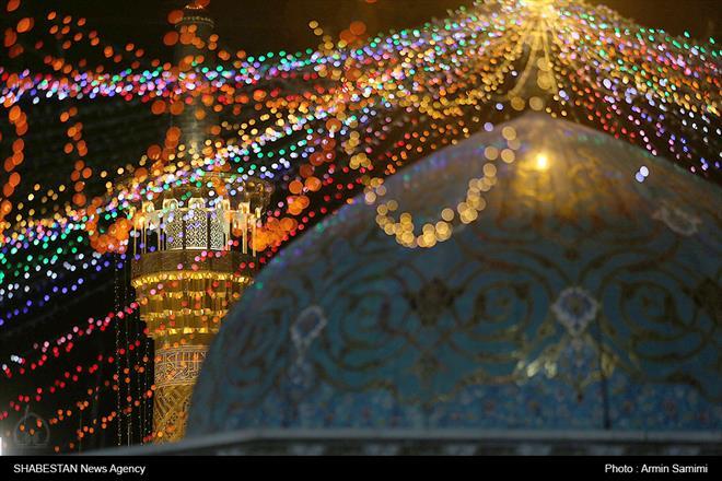 کلیپ/ گلباران حرم مطهر رضوی  در شب میلاد حضرت جوادالائمه علیه السلام