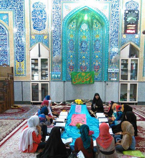 نونهالان عضو کانون به شکرانه آشنایی با الفبای قرآن جشن برگزار کردند