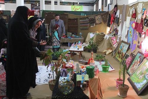 برپایی نمایشگاه صنایع دستی و آثار تولیدی بانوان با عنوان «اقتصاد مقاومتی، اقدام و عمل»