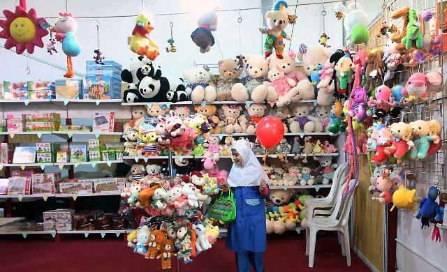 جشن «گلریزان عروسک و اسباب بازی» در کانون امام زین العابدين(ع) نایبندجنوبی