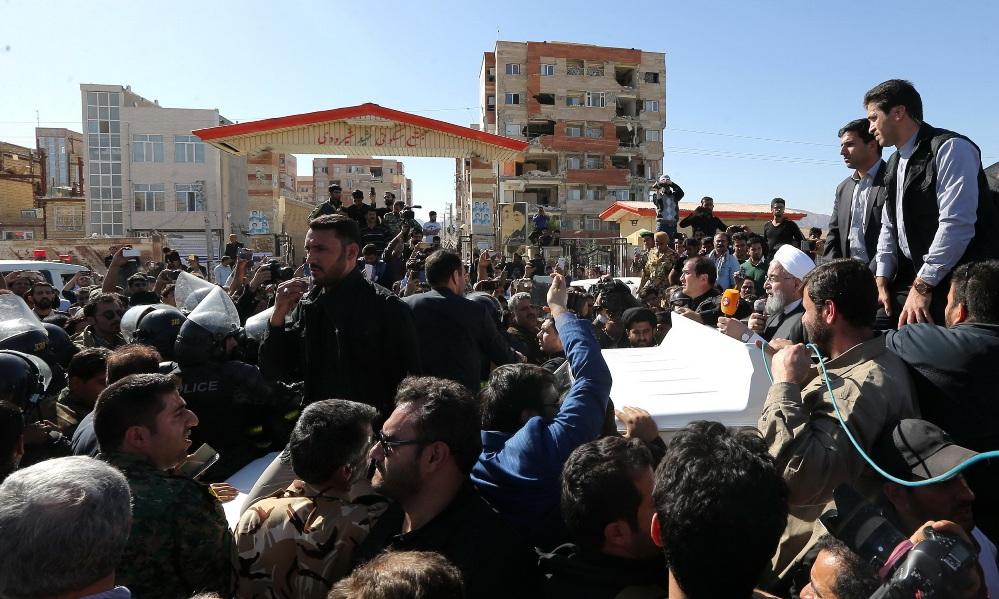 روحانی در اجتماع مردم شهرستان سرپلذهاب: دولت برای بازسازی منازل خسارتدیده از زلزله، کمک بلاعوض و وام بلندمدت اعطا میکند