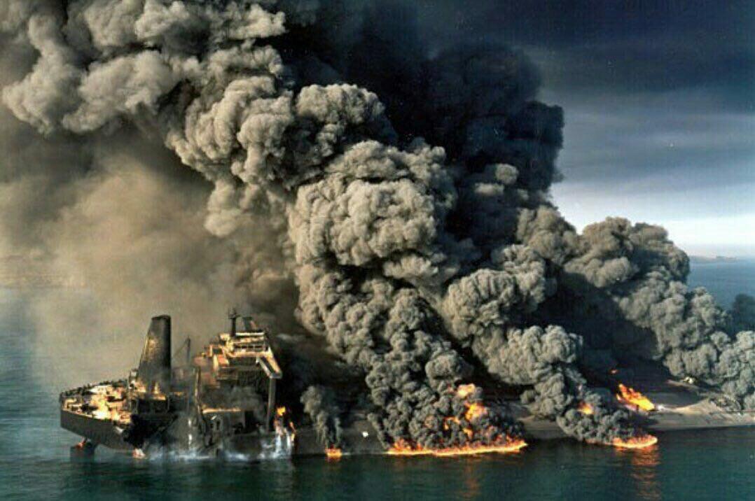 'سانچی' کاملا غرق شد/فوت ۳۲ پرسنل نفتکش ایرانی/امکان خروج پیکرها وجود ندارد