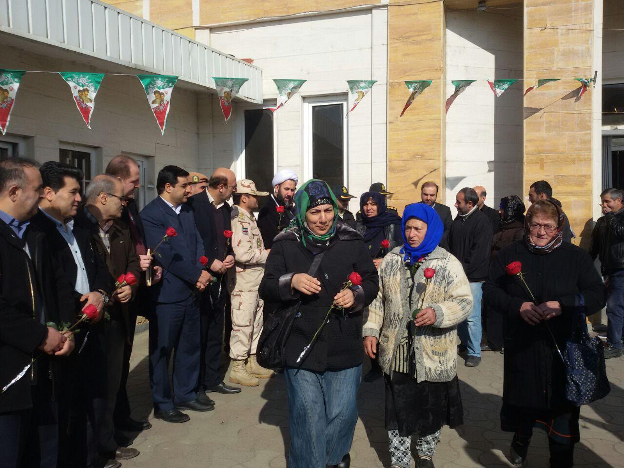 Image result for مسافران آذربایجانی در مرز آستارا
