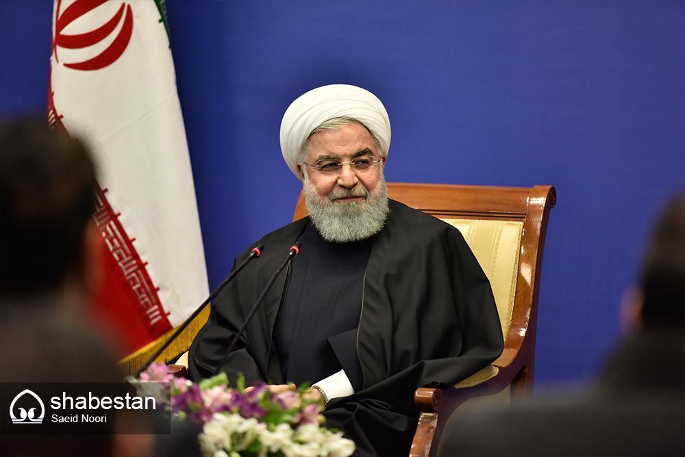 روحانی در نشست خبری: آذربایجان غربی میتواند در زمینه گردشگری موفق باشد