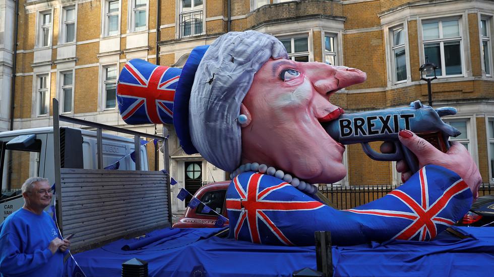 سنگین ترین شکست پارلمانی برای دولت بریتانیا