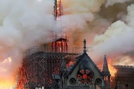 مسلمانان فرانسه به بازسازی «کلیسای نوتردام» کمک می کنند