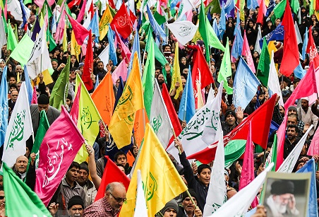 اجتماع بزرگ منتظران در میدان امام حسین(ع)/ طراحی سناریوی ظهور روی ذرههای شن