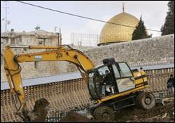 صهیونیست ها، منزل یکی از اعضای خانواده محافظ مسجدالاقصی را تخریب کردند