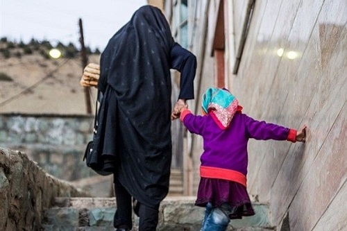 ماجرای خودکفایی زنان بیسرپرست و آموزش و ورزش رایگان ایتام به همت امام محلهای جوان