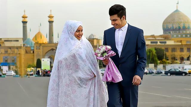 برگزاری مراسم عقد زوج های جوان همزمان با فرارسیدن ایام دهه کرامت