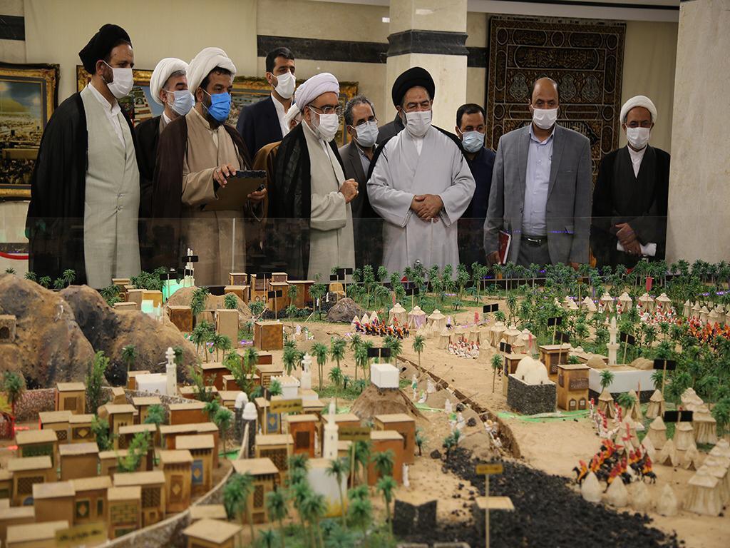 اعلام آمادگی حجتالاسلام مروی برای ساخت ماکت هفت شهر عشق برای زائران در آستان قدس رضوی