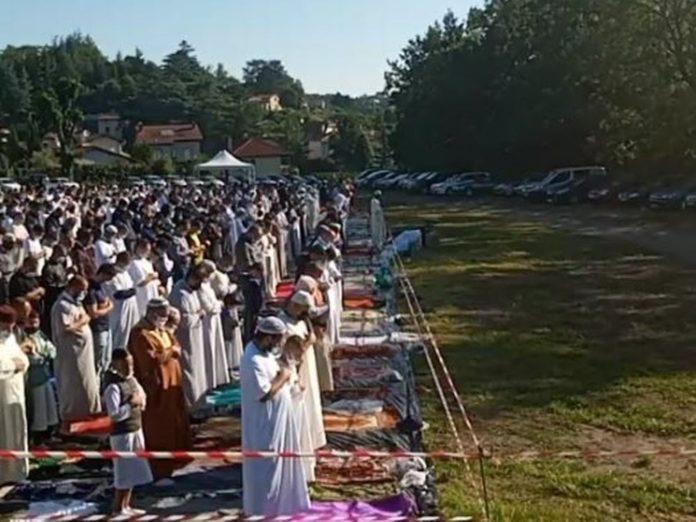 ضربه ای دیگر از  قانون ضد جدایی طلبی به مسلمانان  / اخراج امام جماعت یک مسجد در فرانسه