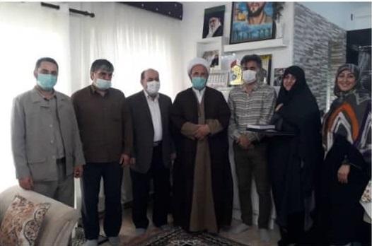 2(23) - دیدار مدیرکل امداد مازندران با خانواده شهید بندری در بابلسر