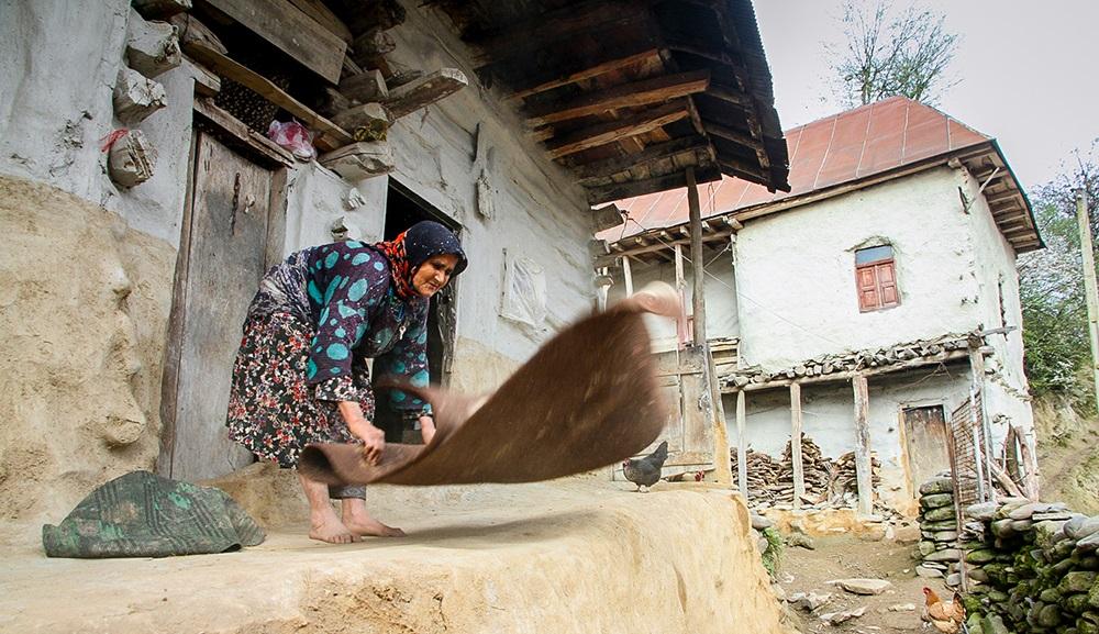 1030998 291 - خانه تکانی سنتی و استقبال از نوروز در مازندران