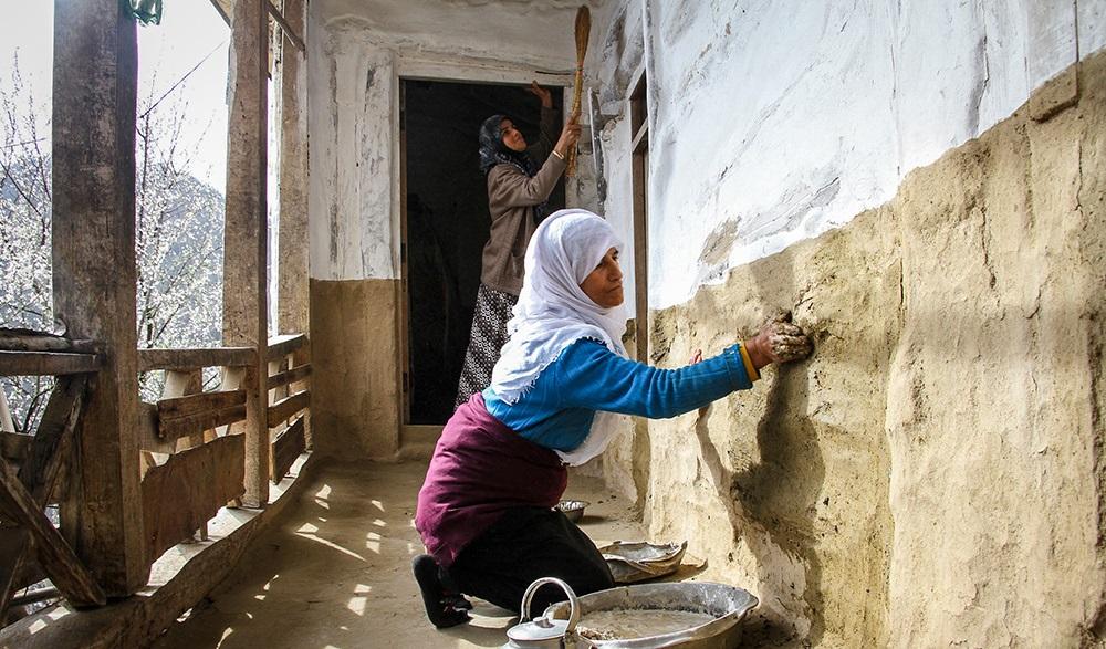 1558958 248 - خانه تکانی سنتی و استقبال از نوروز در مازندران