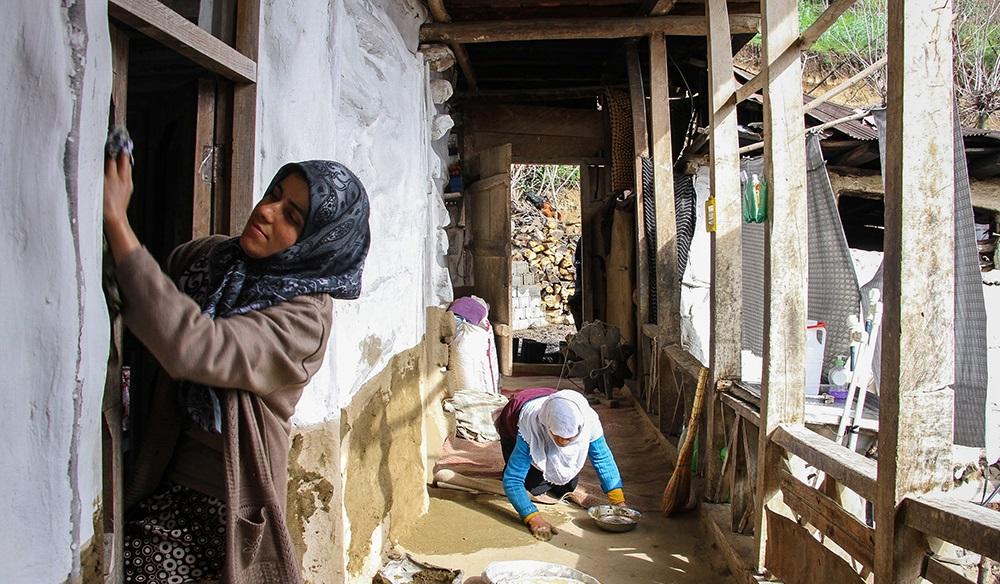 1558960 536 - خانه تکانی سنتی و استقبال از نوروز در مازندران