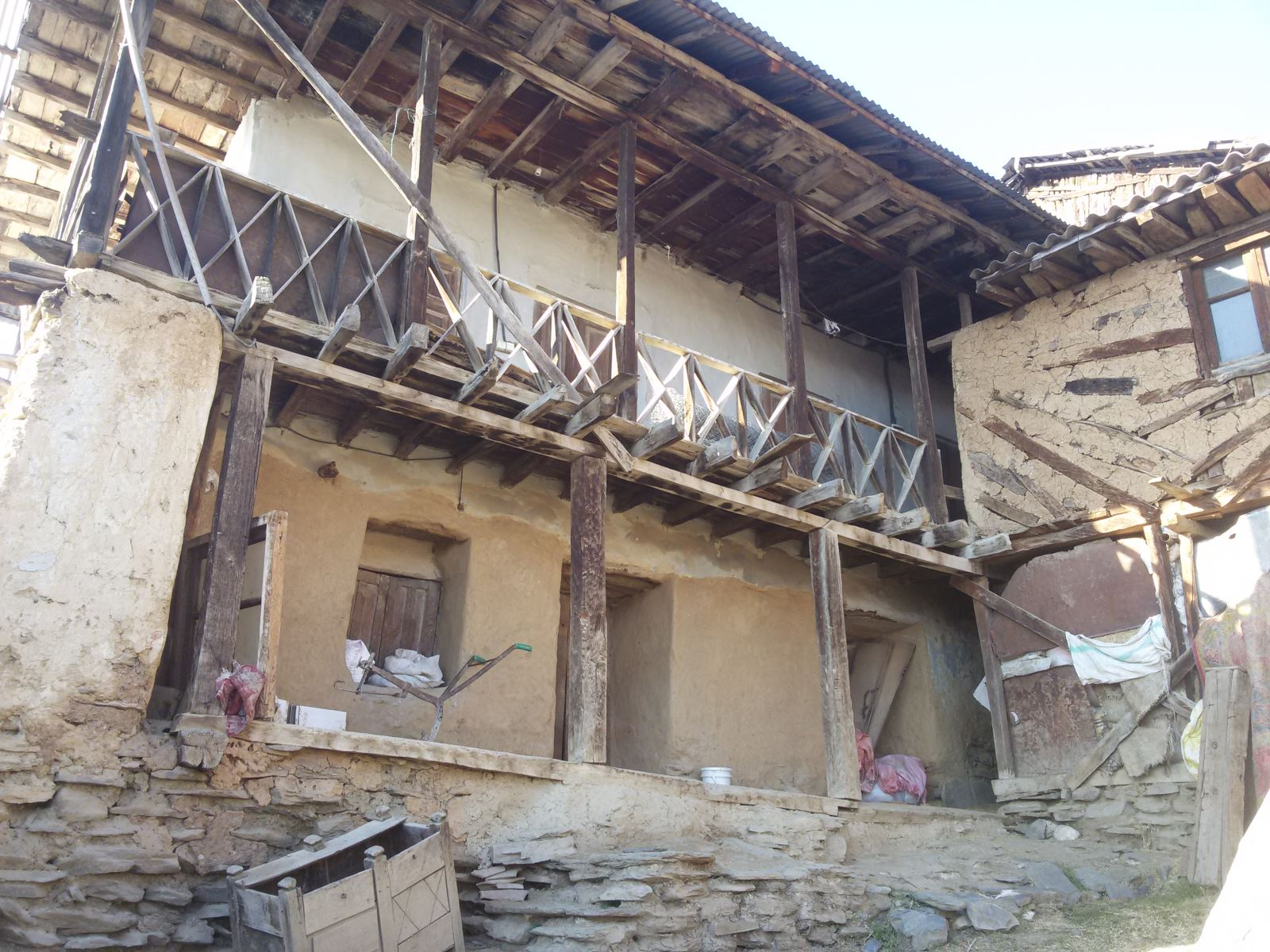 20210303 161412 - خانه تکانی سنتی و استقبال از نوروز در مازندران
