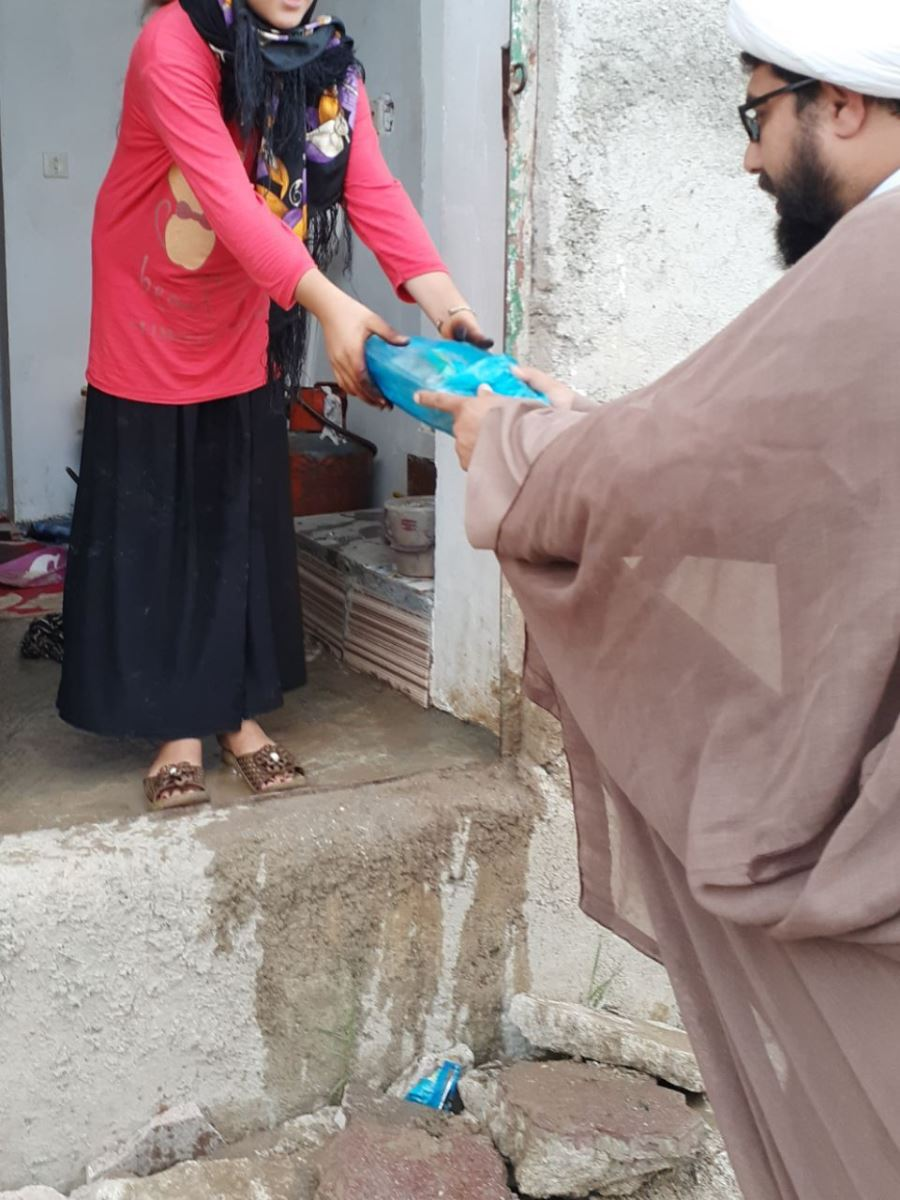IMG 20200817 190122 249 - توزیع یکصد بسته گوشت قرمز به همت کانون مسجد امام علی(ع) نکا در محرم