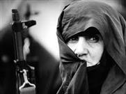 زنانی که به جبهه نرفتند اما حماسه آفریدند/ زندگی ما یک راز بین خودمان و خدایمان است