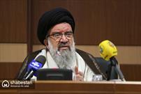 جسد رئیس جمهور بیعقل آمریکا پودر می شود اما انقلاب اسلامی باقی خواهد ماند