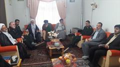 مسئولان فومن با خانواده شهدای روحانی این شهرستان دیدار کردند