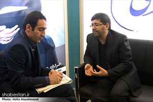 جعفری معاون ستاد عالی کانون های مساجد در پنجمین روز نمایشگاه مطبوعات و خبرگزاری ها - غرفه ی شبستان