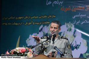 امیر موسوی در مراسم تقدیر از معلمین نمونه ارتش جمهوری اسلامی ایران
