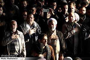 اقامه نماز توسط رهبر انقلاب بر پیکر حجتالاسلام والمسلمین هاشمی رفسنجانی