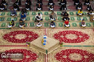 جزء خوانی قرآن کریم در حرم مطهر حضرت محمد هلال بن علی (ع)