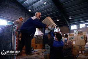اهدای کتاب ستاد کانونهای مساجد به استانها