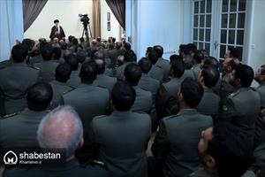 دیدار فرمانده کل ارتش و جمعی از فرماندهان نیروی زمینی ارتش با رهبر انقلاب