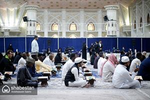 حضور متسابقین قرآن کریم در حرم حضرت امام (ره)
