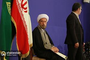 اقامه نماز جمعه شیراز توسط نماینده جدید ولی فقیه در فارس