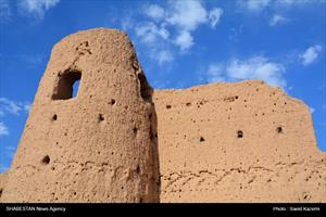 قلعه آفریز بنایی در سایه بی توجهی