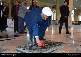 دبیر ستاد عالی کانونهای مساجد کشور در گلزار مطهر شهدای فردوس