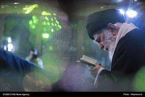 کلیپ/ حضور رهبر انقلاب در مرقد مطهر امام راحل و گلزار شهدای بهشت زهرا