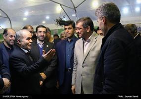بازدید استاندار همدان از نمایشگاه دستاوردهای چهل ساله انقلاب اسلامی در استان