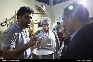 بازدید حجت الاسلام و المسلمین ارزانی از نمایشگاه روستا و عشایر(۲)