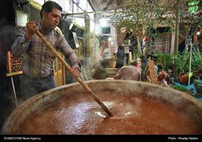 مراسم سمنوپزان در خانه ننه حبیبه اصفهان