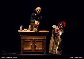 اجرای نمایش شنل قرمزی در بخش بین الملل جشنواره تئاتر کودک و نوجوان