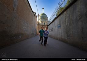این بقعه در خیابان لطفعلی خان زند و در محله گود عربان جنب مسجد نصیرالملک قرار دارد.