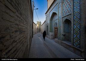 این امامزاده در محله گود عربان جنب مسجد نصیرالملک قرار دارد.