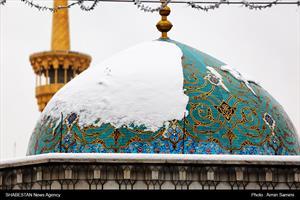 کلیپ | حال و هوای حرم مطهر امام رضا(ع) در یک روز برفی
