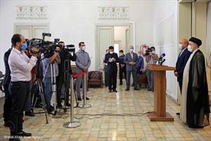 دیدار رییس مجلس شورای اسلامی با منتخب سیزدهمین دوره انتخابات ریاست جمهوری