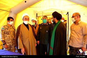 بازدید نماینده ولی فقیه در استان و امام جمعه ایلام از بیمارستان صحرایی در مرز مهران